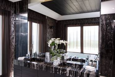 02 - Taylor Interiors Luxury bathroom with black dune marble Marbella