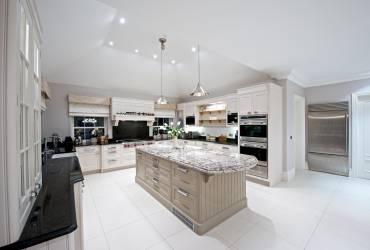 2-Villa-Ascot-contemporary-kitchen-taylor-interiors-interior.jpg
