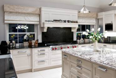 3-Villa-Ascot-contemporary-kitchen-taylor-interiors-interior.jpg