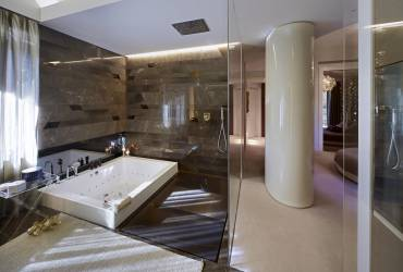 1.Villa_Milan_Bathroom