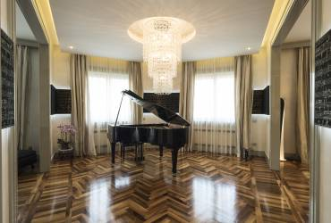Luxury Apartment.  Stylish music room.