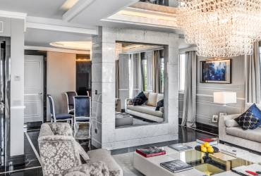 Luxury Roman penthouse, exclusive suit at Baglioni Hotel, living room