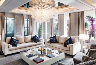 Luxury penthouse, exclusive suit at Baglioni Hotel, reception room.