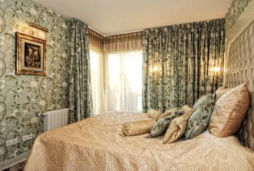luxury bedroom, contemporary interior design,Yvette Taylor London
