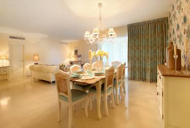 Luxury dining room, taylor interiors, neutral deco