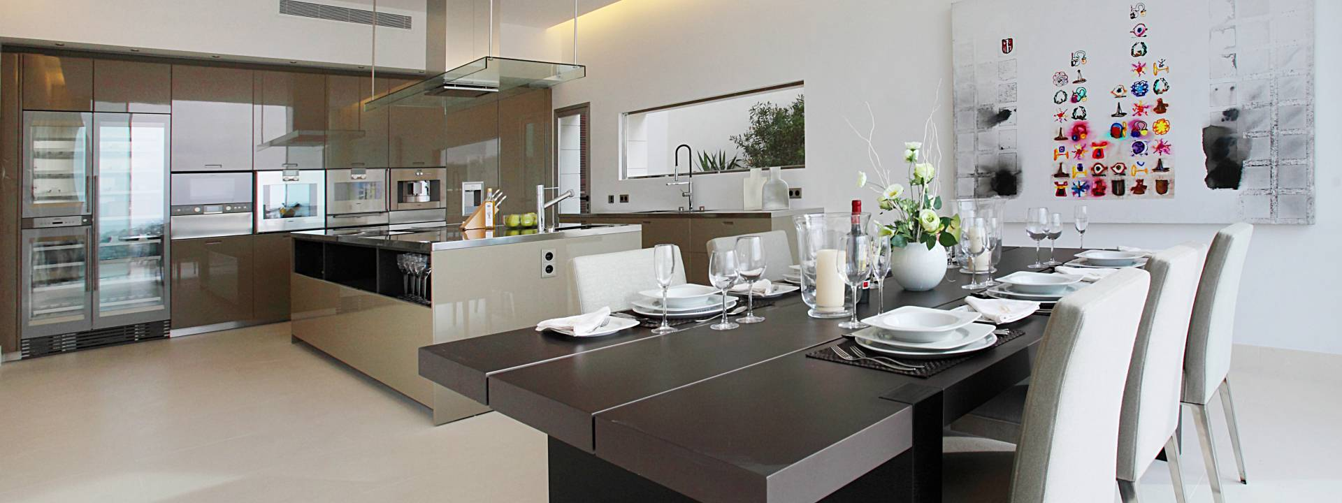 Luxury-villa-Mallorca-kitchen-dining-room-Interior-design