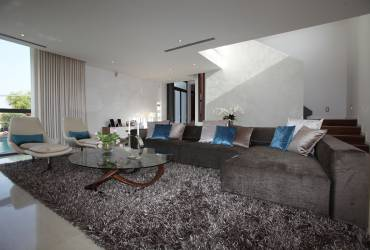 Villa Gabrielle_ Modern design_Contemporary living room