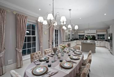 Contemporary Villa. Glamorous dining area. Open plan kitchen.