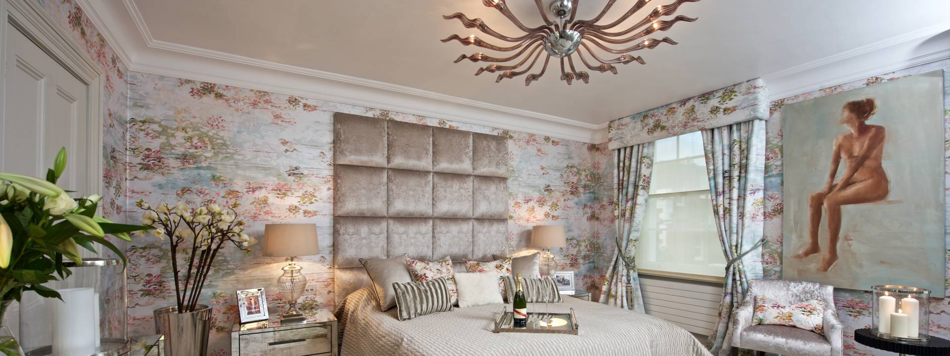 Exquisite Town-house.  Luxury bedroom. Taylor Interiors.