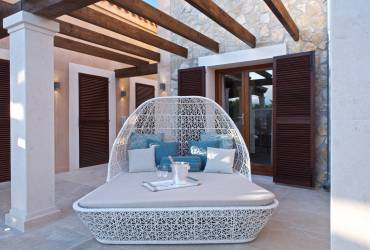Contemporary Holiday villas. Luxury garden furniture.